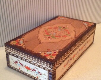 Vintage Folk Art Painted Carved Trinket Box