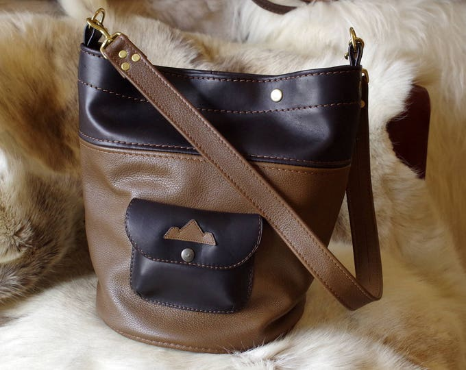 Tote, Taupe and black leather bucket bag
