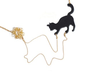 Cat playing necklace, Mother of cats gift, Mothers Day gift,animal lover jewelry, cat with yarn, statement necklace -  Black cat with wool,