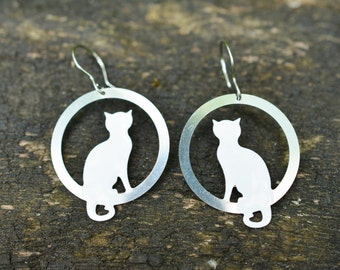 Sitting White Cat Earrings, Kitten Earrings , Pet Jewelry, Cat Jewelry, Cat Lover Earrings, Enamel Earrings, Everyday Earrings, Cats
