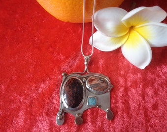 Pendant in Silver 925 with three stones and copper accents
