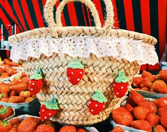 Ibiza-Basket, small, with strawberries