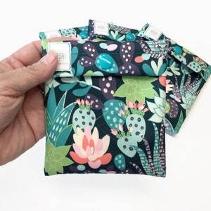 Cacti Print Wet Pouch for Cloth Menstrual Pad, Snap Close Pad Wrapper, Menstrual Cup Pouch, Cloth Pantyliner WetBag, Tampon Holder