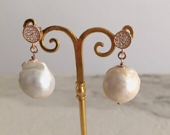Earrings. Earrings in silver pink gold with Baroque pearls. Bride. Wedding. Wedding. Personalized gift. Baroque drop earrings. Gift