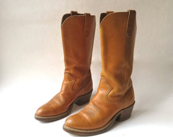 70s vintage Thom McAn Caramel Brown Leather Cowgirl Boots / Western Boots