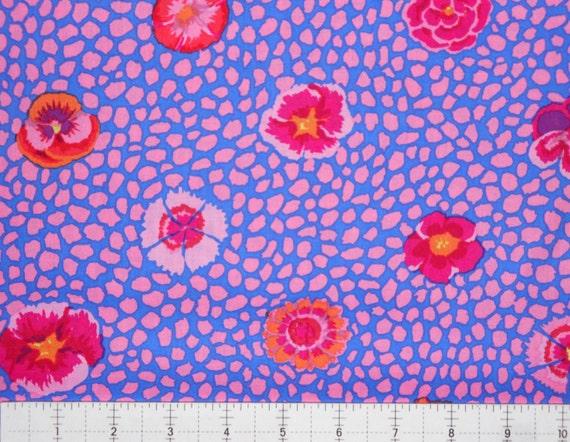 GUINEA FLOWER GP59 Pink by Kaffe Fassett Sold in 1/2 yd increments