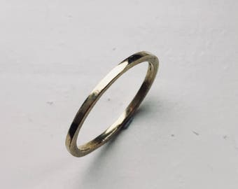 Wedding band, gold ring, 18ct hammered wedding ring, 2mm wide. Gold band.