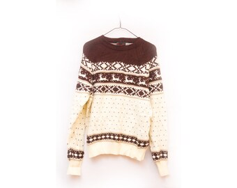Vintage Reindeer Sweater Christmas Winter size Small! Dark Brown CHOCOLATE