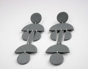 Graue Statement Ohrringe, Moderne Ohrringe, Geometrische Ohrringe, Große Hängeohrringe, Geschenk für sie, Fimo Ohrringe, Boho Ohrringe, blau