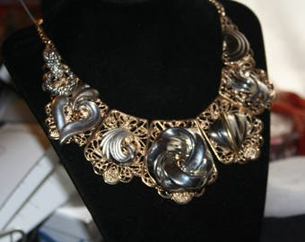 Metalic Swirls/ Necklace
