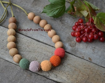 Nursing necklace, Breastfeeding accessory, Teething jewelry, For new mom baby, Safe eco friendly ,Crochet necklace,Red Green,Christmas gift