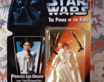 Vintage 1995 Kenner Star wars Princess Leia Organa Power of the force figure