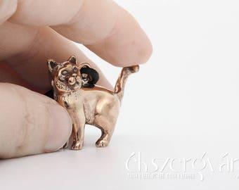 British Shorthair Cat Mini Sculpture Bronze Keychain