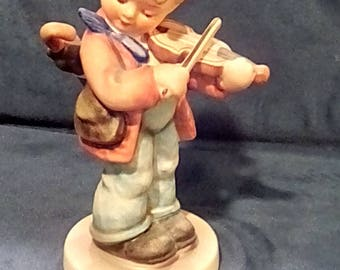 Goebel Hummel Little Fiddler