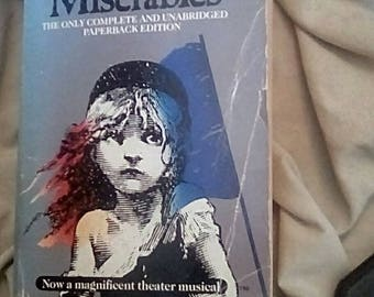 Les Miserables ( 1987 Paperback )