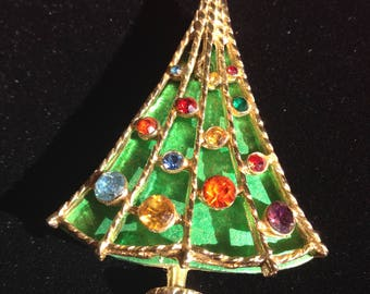 Green Jeweled Vintage Christmas Tree Pin Brooch By BJ