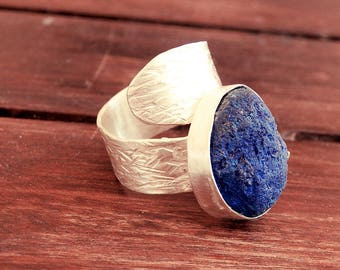 Open ring, Azurite ring, raw stone ring, stone ring, open ring, adjustable ring, long ring, geode ring, oxidized ring, rough stone ring