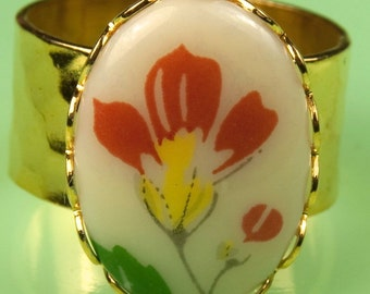 Adjustable Size Gold Ring with Vintage 1940s Japanese Red Floral Piece