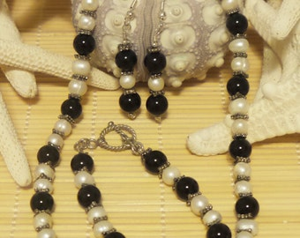 Onyx and Pearl Necklace, bracelet and earring set