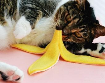Slippery Catnip Banana Peel Cat Toy