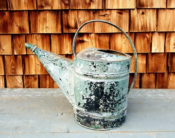 Vintage Galvanized Watering Can, Vintage Green Galvanized Watering Bucket, Country Decor, Farmhouse Decor, Rustic Decor, Primitive Planter