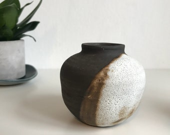 Mini black clay bud vase // mini ceramic bud vase // small vase