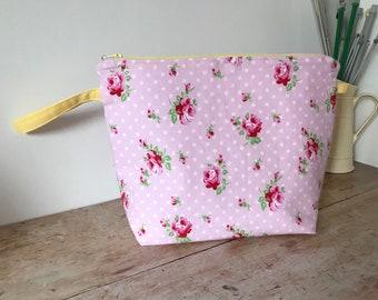 Pink roses medium project bag