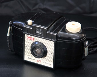 Vintage Kodak Brownie 127 Model 1 Roll Film Camera