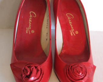 1980s Shoes Red Caressa Roses Lady in Red Heels Pumps Spain 5.5