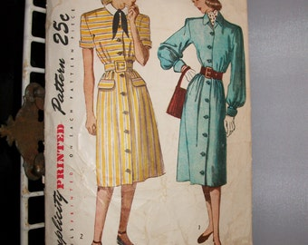 Vintage 40s dress Simplicity Pattern Uncut