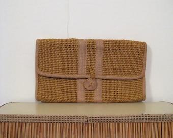 1970s raffia envelope clutch • 70s straw summer purse • vintage Roslyn of Barbados hand woven bag
