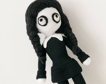 Wednesday Addams, Gothic doll crochet