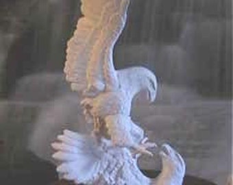 "16"" American, Bald Eagle, Driftwood Eagles, Fighting Eagles, Attacking Eagle, Bird of Prey,Large bird,u-paint, Ready to paint,Ceramic Bisque"