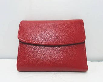 Buxton Genuine Leather Exterior Wallet / Red Trifold Ladies Small Wallet / Change / Bills / Pictures