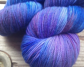 Poison Plum on Avaze Sa MCN sock weight