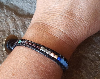 SOCO Leather Single Wrap Bracelet with Brass Coin and Lovely Beads