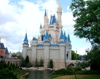 Disney World Magic Kingdom Cinderella Castle Magnet #2-READY TO SHIP