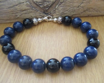 Blue Agate and Black Onyx Bead Bracelet