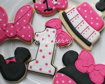 24 Minnie Mouse Cookies