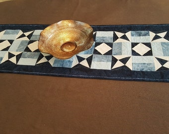 Table Runner, Quilted Table Runner, Table Mat, Quilted Table Linen, Blue and White Table Runner,Table Topper, Table Decoration