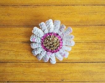 Chamomile brooch (sequins)/pin