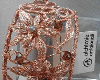 Flower bracelet. With Swaroski crystals