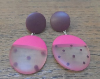Cerise resin oval earrings with maroon dots
