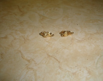 vintage clip on earrings goldtone pineapple small