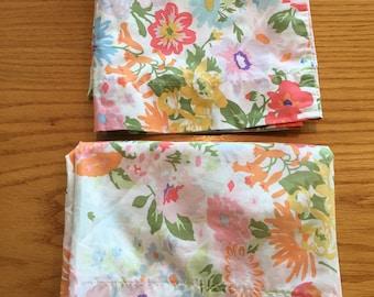 Vintage Set of 2 Pastel Springtime Floral King Size Pillowcases- 70s bedding, pillowcases, vintage floral king pillowcase