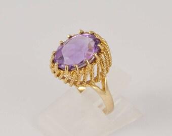 Vintage Amethyst Ring 9 Carat Gold - Large Gemstone Rings, Vintage Gold Rings, Womens Rings, Vintage Jewelry, Pale Amethyst, Ladies Rings