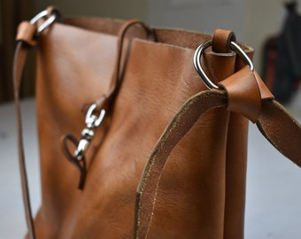 Leather tote, leather purse, full grain, vegetable tanned leather, wicket and Craig tannery Pennsylvania, made in USA, leather bag,
