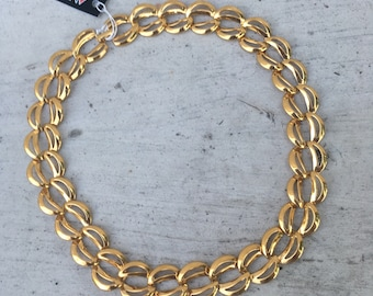 Vintage Napier ornate gold short chain necklace