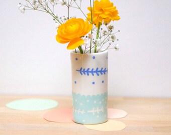 Tube vase *blue spring*