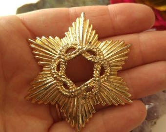 Elegant Vintage brooch braided star pale gold